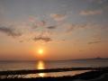 伊江島周辺に落ちる夕日