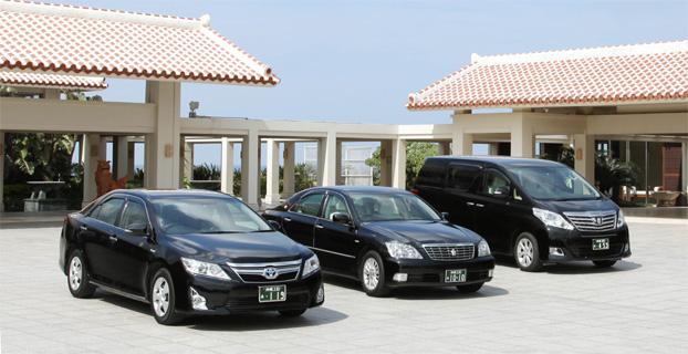 那覇空港到着ロビーにお迎え致します。