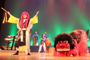 琉球舞踊と獅子舞